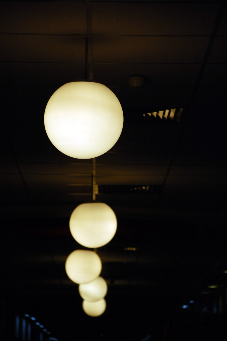 Array-of-light-globes745